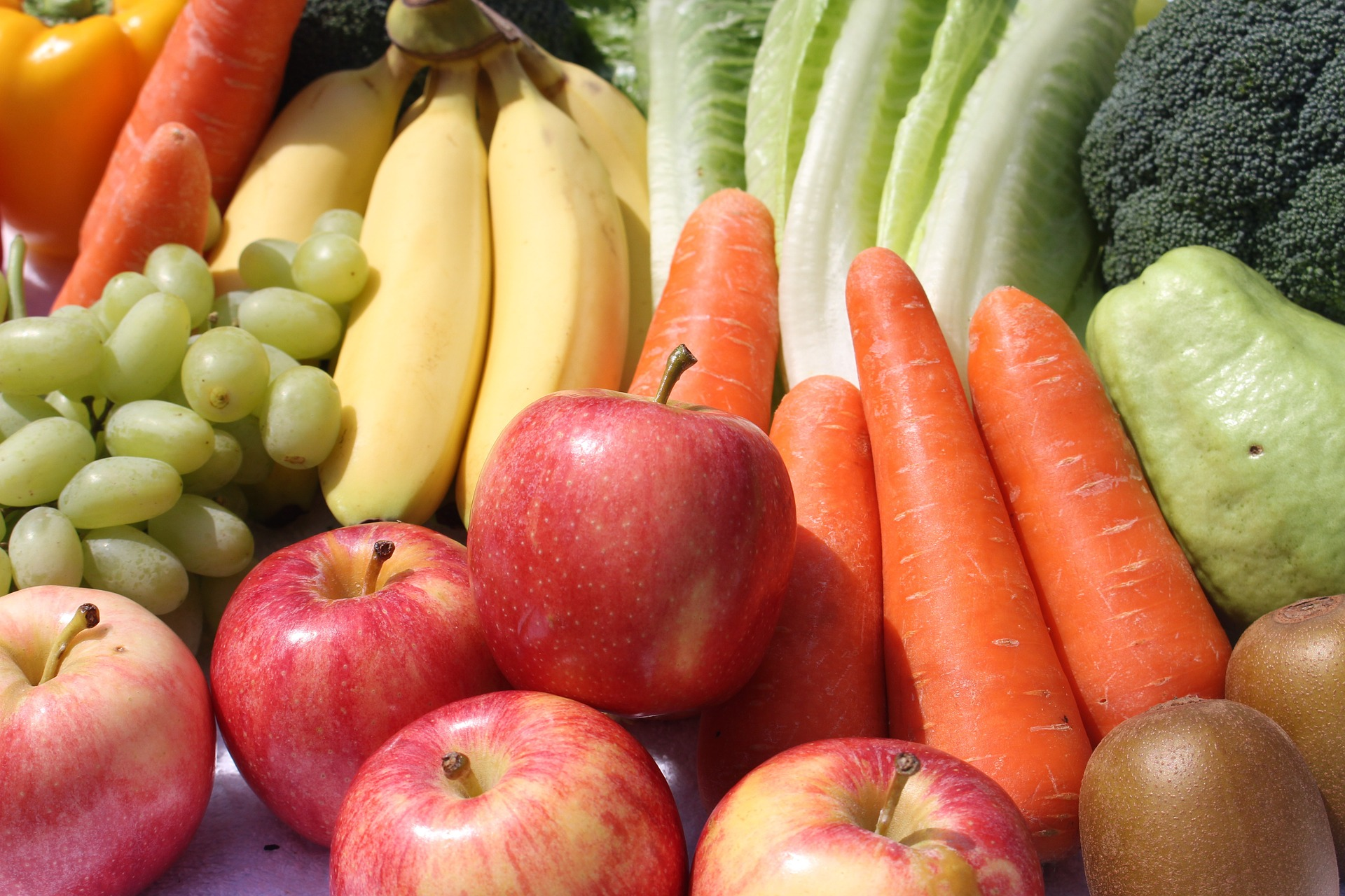 Difference between Raw Fruits and Raw Veggies